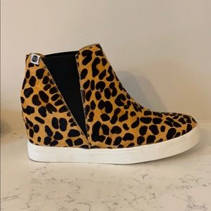 Leopard print. Wedge sneakers. NBW. Brand New.